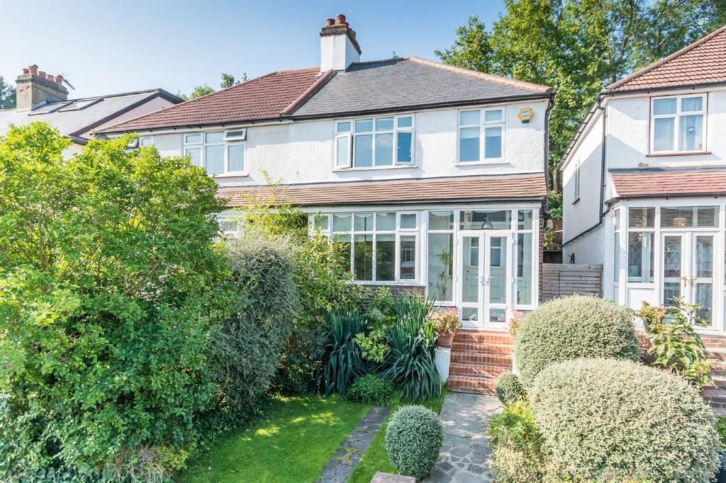 3 Bedrooms Semi Detached House for sale in Cliffview Road SE13