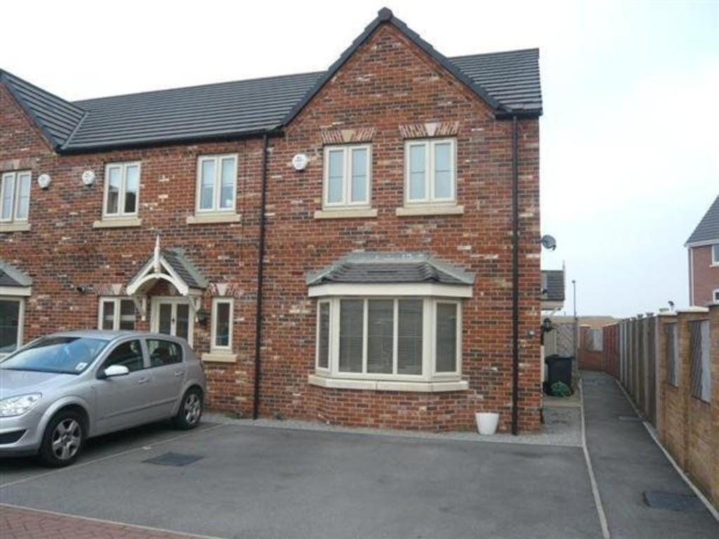 3 Bedrooms Town House for sale in Countryside Way, Kilnhurst