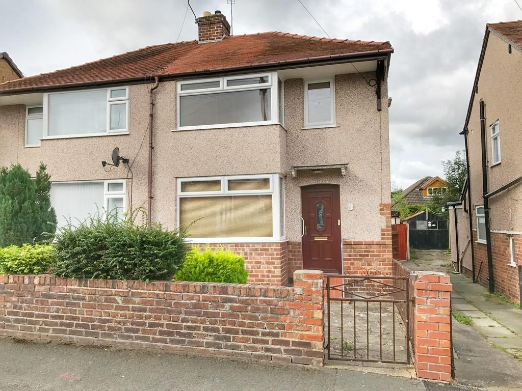 3 Bedrooms Semi Detached House for sale in Henley Avenue, Wepre Park