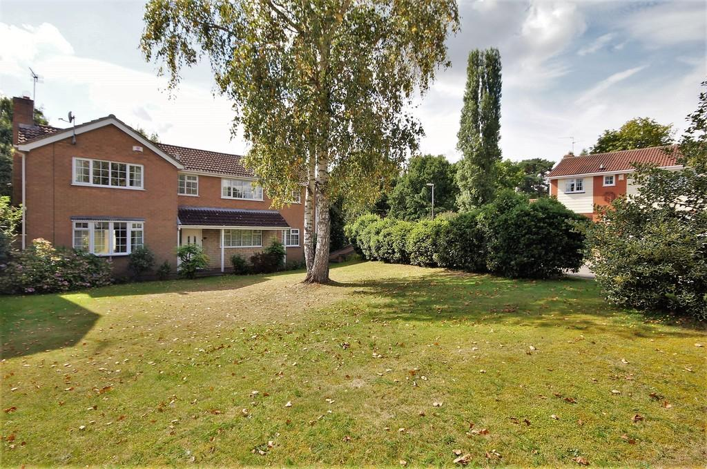 4 Bedrooms Detached House for sale in Shearwater Road, Lincoln