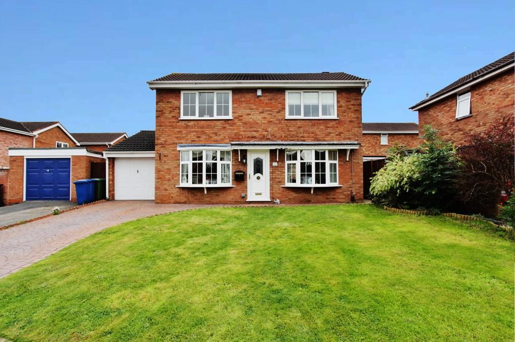 4 Bedrooms Detached House for sale in Blackdown, Wilnecote