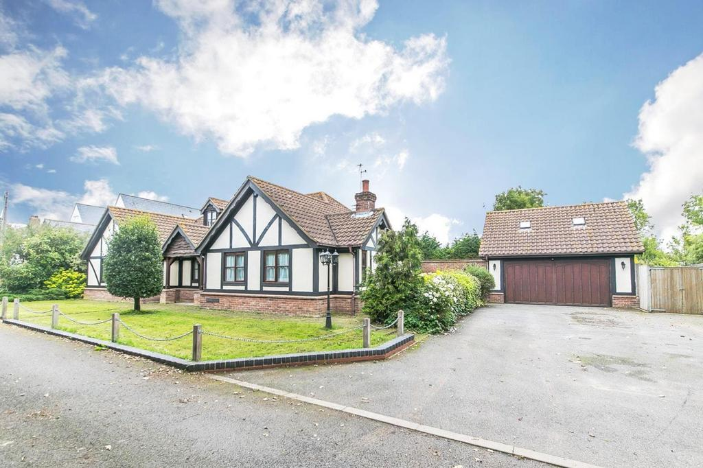 5 Bedrooms Chalet House for sale in Pennsylvania Lane, Tiptree, Colchester, Essex, CO5