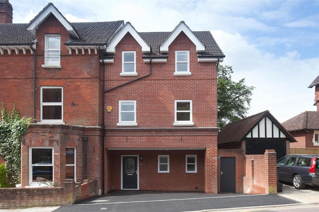 4 Bedrooms Town House for sale in Fowlers Road, Salisbury