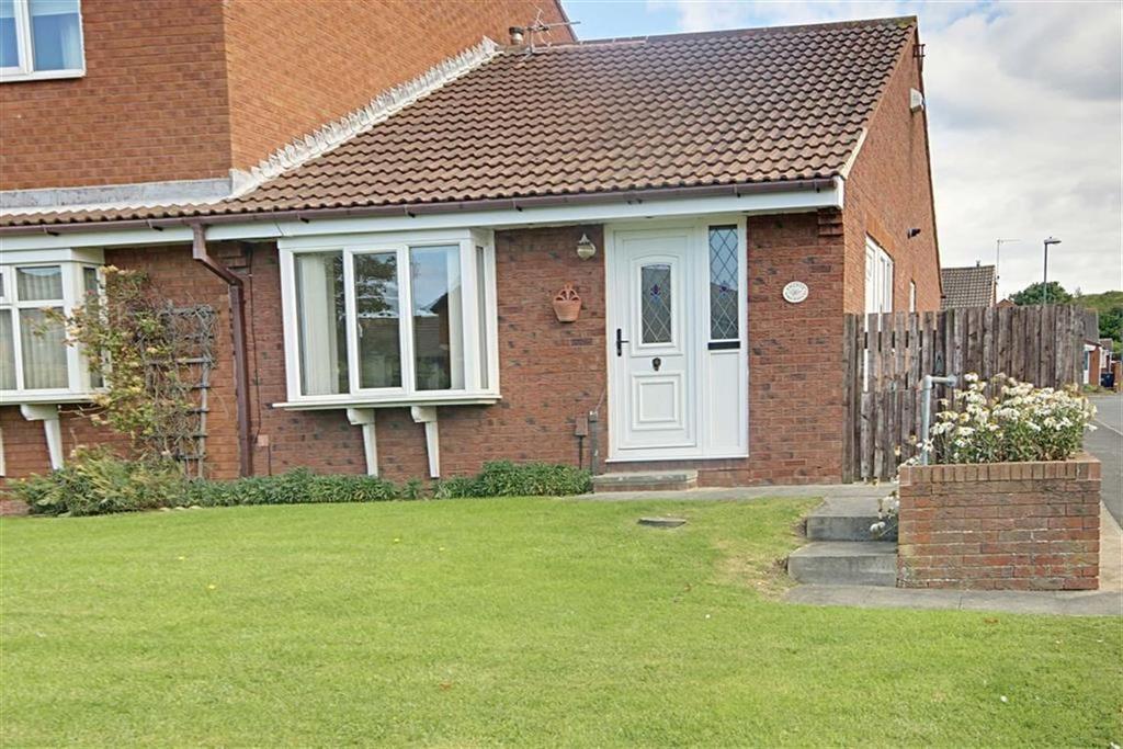 2 Bedrooms Semi Detached Bungalow for sale in Lake Avenue, South Shields, Tyne Wear