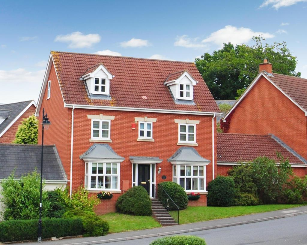 5 Bedrooms Detached House for sale in Graham Way, Cotford St. Luke