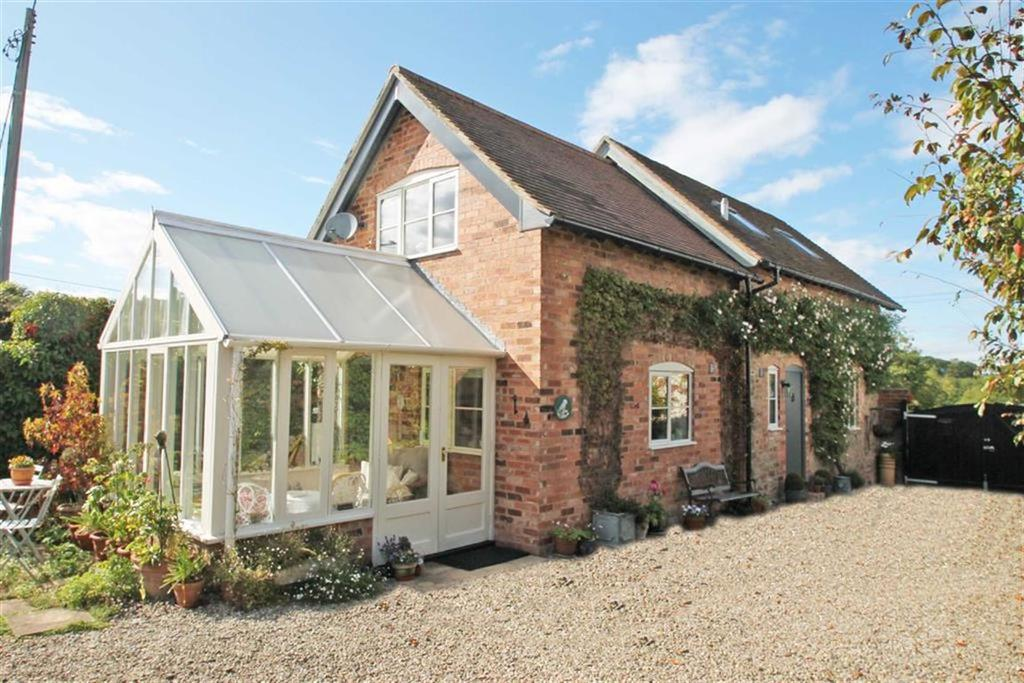 2 Bedrooms Barn Conversion Character Property for sale in Newtown Cross, LOWER EGGLETON, Lower Eggleton Ledbury, Herefordshire