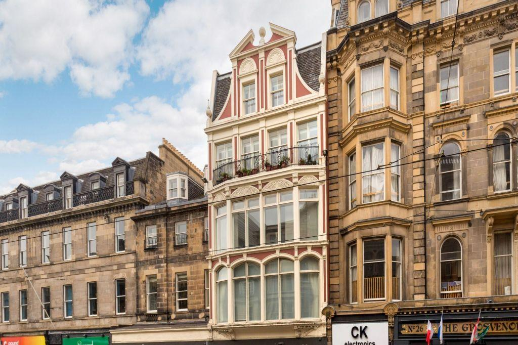 3 Bedrooms Maisonette Flat for sale in 30A/ 10 Shandwick Place, Edinburgh, EH2 4RT