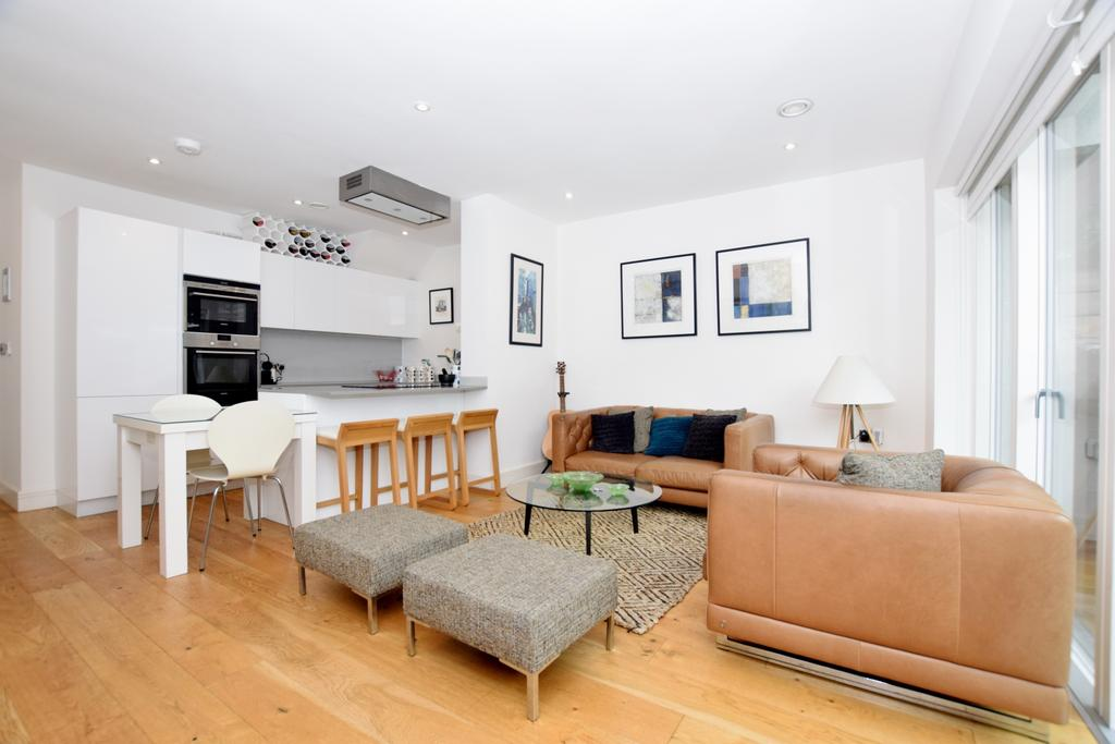 2 Bedrooms Flat for sale in Setchell Road Bermondsey SE1