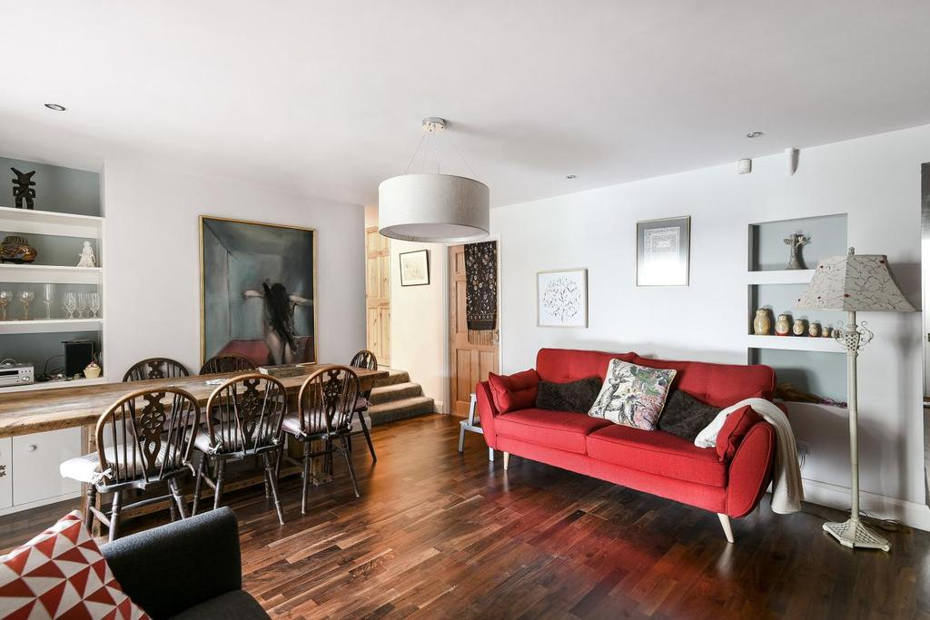 3 Bedrooms Flat for sale in Rosendale Road, West Dulwich