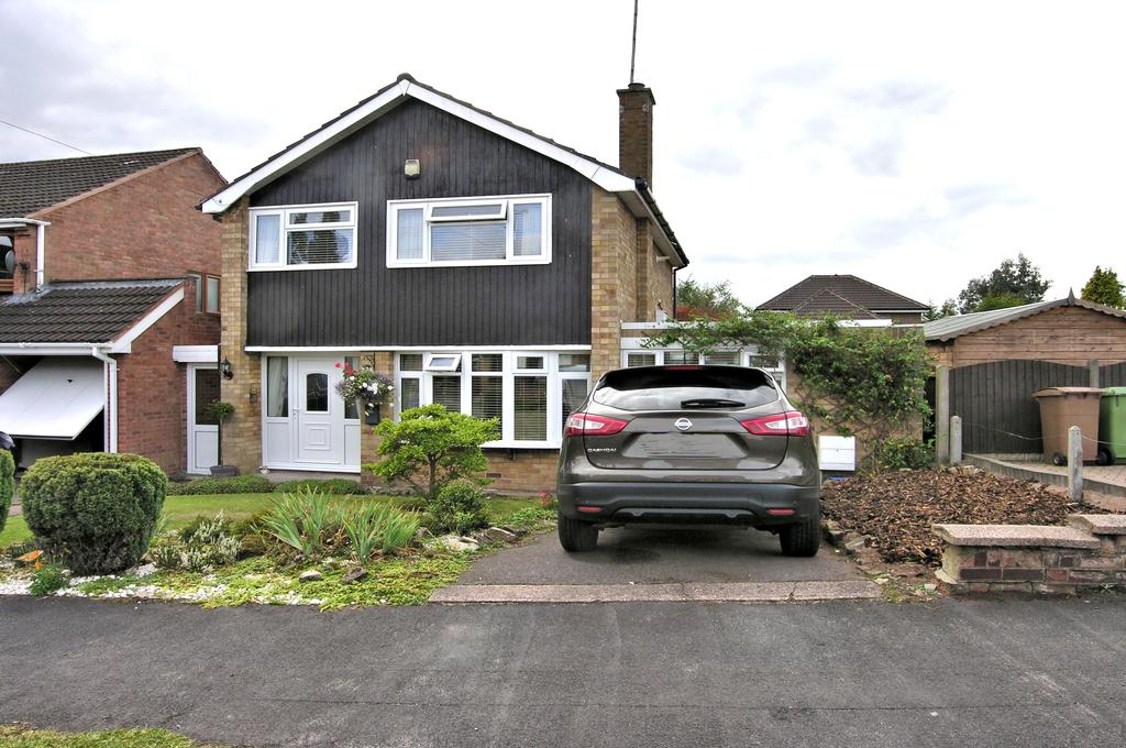 3 Bedrooms Detached House for sale in SALCOMBE AVENUE, WEEPING CROSS, STAFFORD ST17