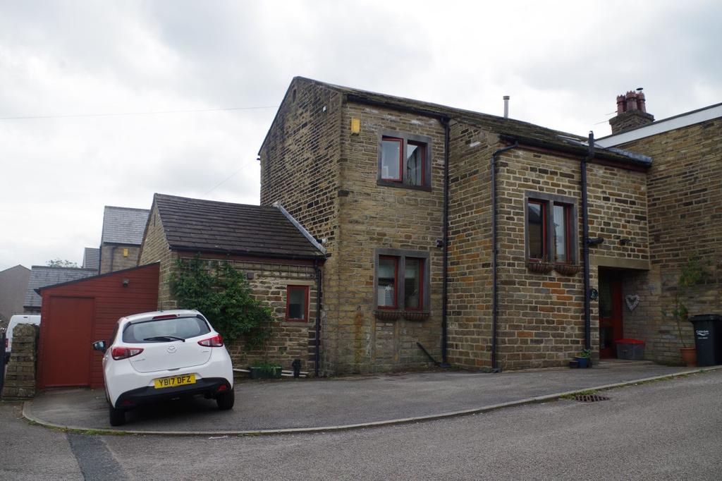 3 Bedrooms Barn Conversion Character Property for sale in The Barn, Royd Lane, Illingworth, Halifax HX2