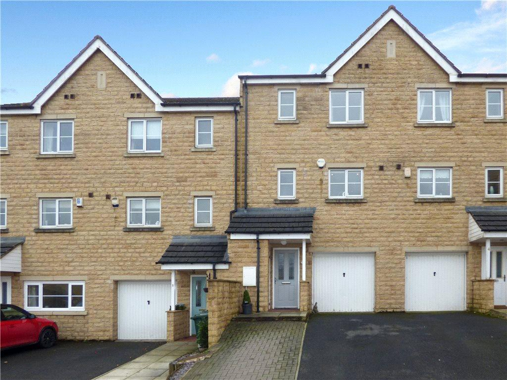 4 Bedrooms Town House for sale in Arnhem Close, Gilstead, West Yorkshire
