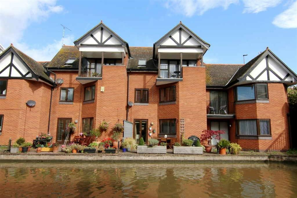 3 Bedrooms Town House for sale in Millers Quay, Chester City