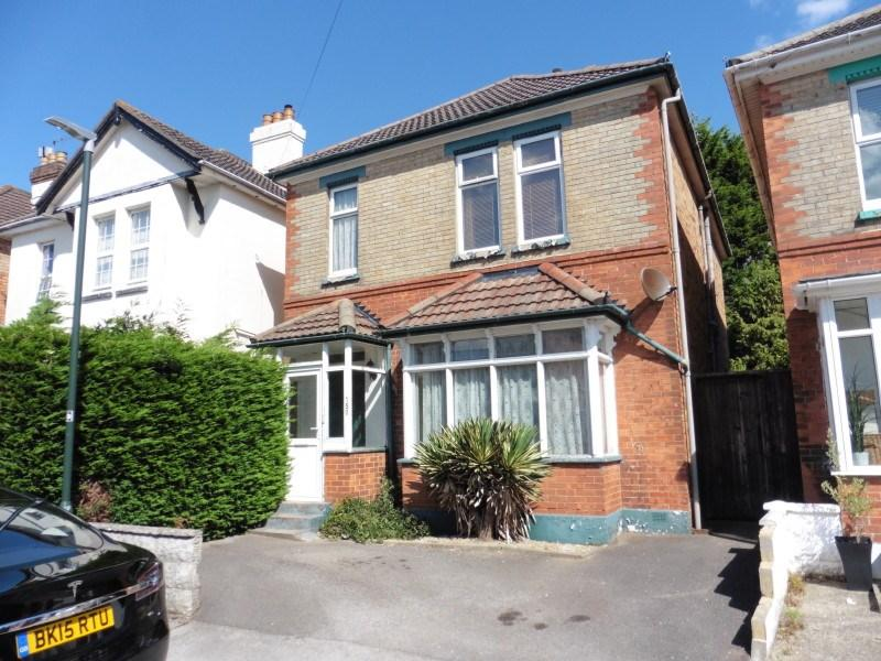 4 Bedrooms Detached House for sale in Hankinson Road, Charminster, Bournemouth