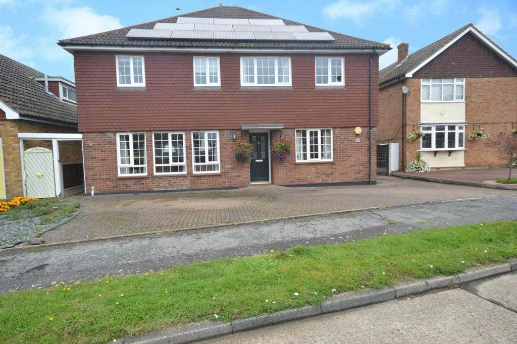 5 Bedrooms Detached House for sale in Long Brandocks, Writtle, Chelmsford, Essex, CM1