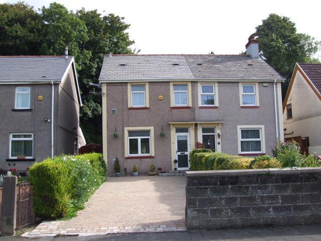 2 Bedrooms Semi Detached House for sale in 11 Swan Road, Baglan