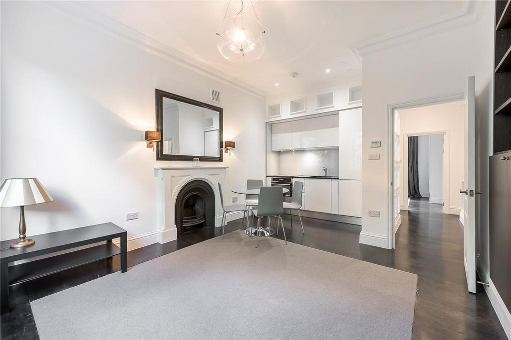 2 Bedrooms Flat for sale in St Georges Square, Pimlico, London
