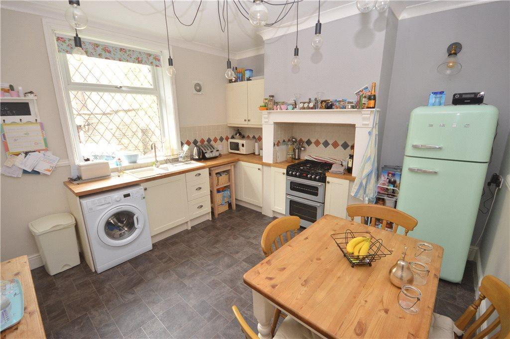 2 Bedrooms Terraced House for sale in Barraclough Buildings, Bradford, West Yorkshire