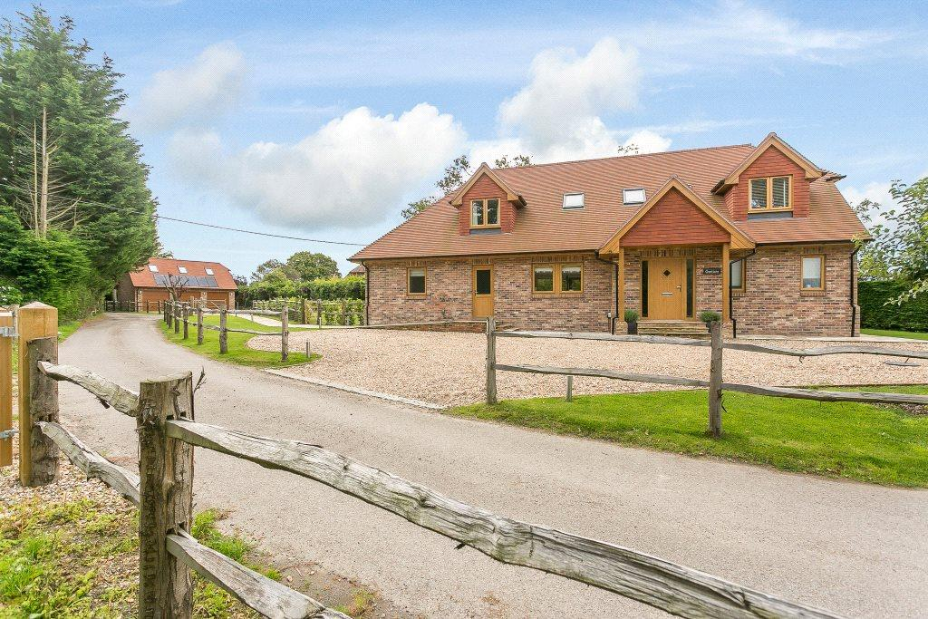 5 Bedrooms Detached House for sale in West Chiltington Lane, Coneyhurst, Billingshurst, West Sussex