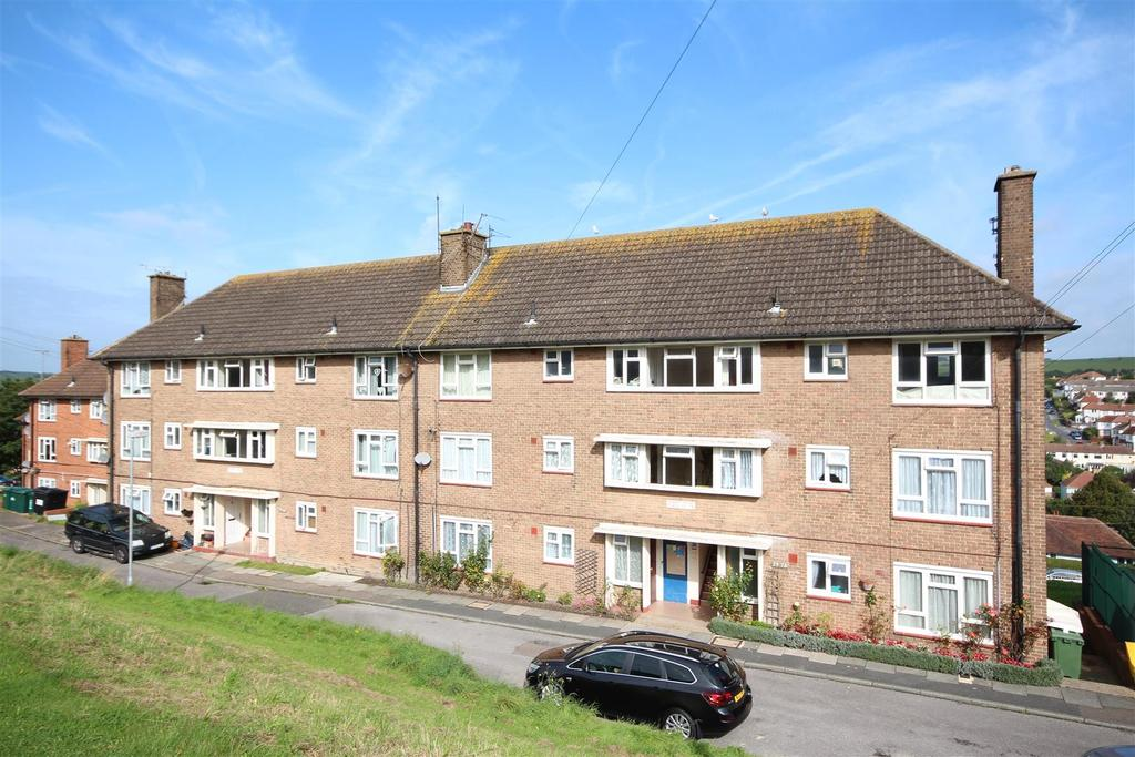 2 Bedrooms Flat for sale in Birch Grove Crescent, Hollingbury, Brighton