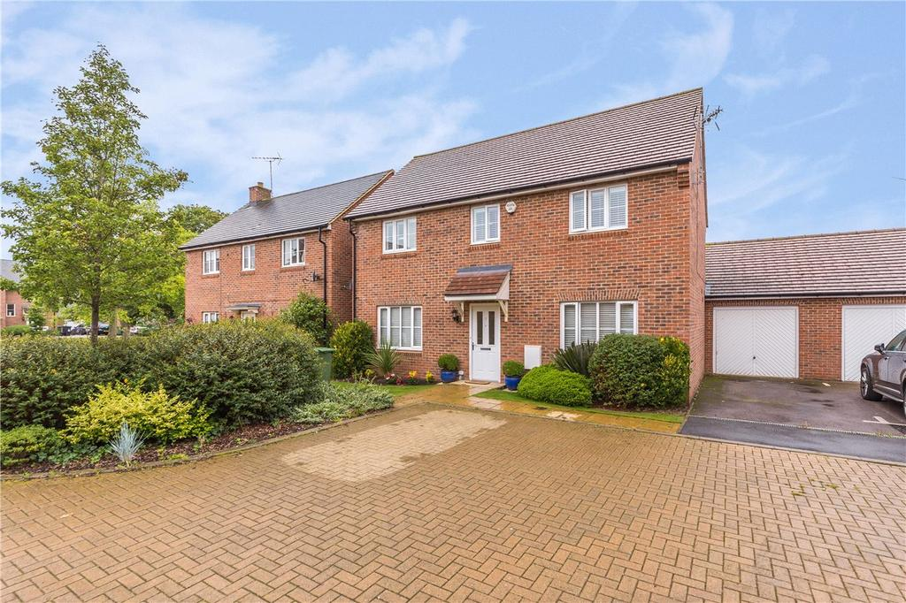4 Bedrooms Detached House for sale in Old School Drive, Wheathampstead, St. Albans, Hertfordshire