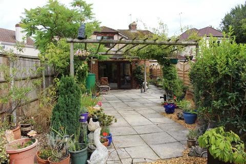 7 bedroom semi-detached house for sale - Marshfield Way, Stratton, Swindon