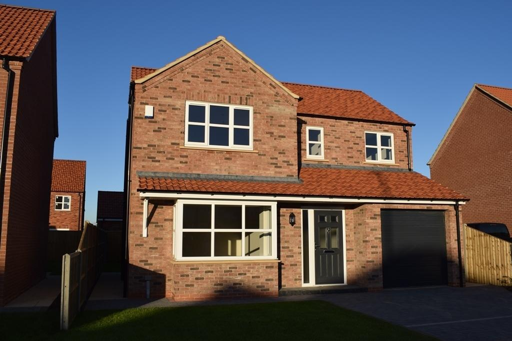 4 Bedrooms Detached House for sale in The Hawthorne, Plot 27, The Maples, Holton-le-Clay