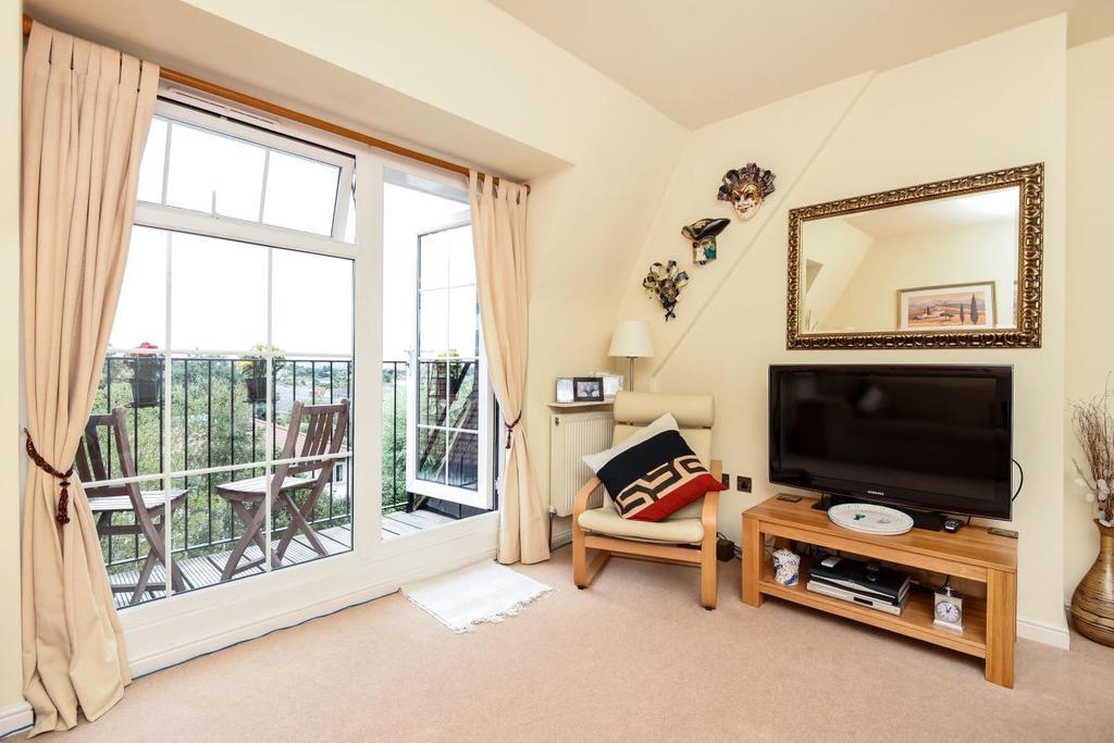 1 Bedroom Flat for sale in Augustus Road, Southfields