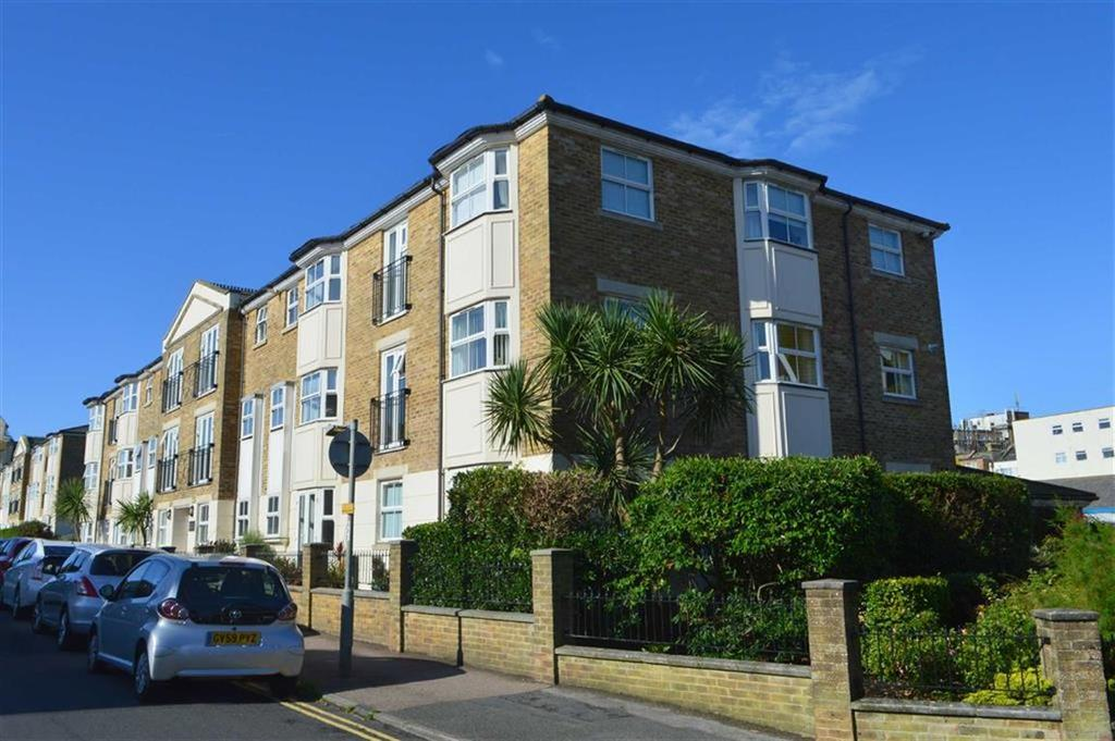2 Bedrooms Apartment Flat for sale in Kings Well Court, Seaford, East Sussex