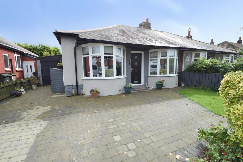 2 Bedrooms Semi Detached Bungalow for sale in Monks Avenue, Whitley Bay
