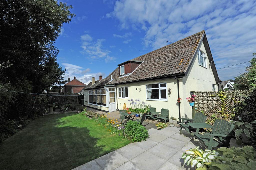 3 Bedrooms Detached Bungalow for sale in Cottagers Lane, Manfield, Darlington