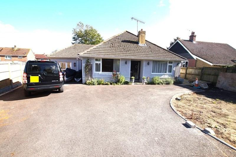 3 Bedrooms Detached Bungalow for sale in White Pit, Blandford Forum