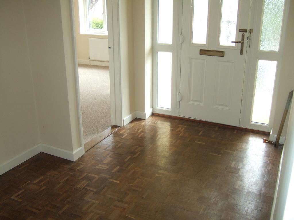 3 Bedrooms Detached Bungalow for rent in Wellmead, Kilmington, Axminster EX13