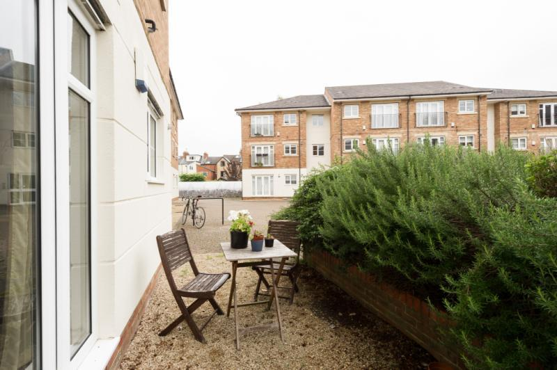 2 Bedrooms Apartment Flat for sale in Grandpont Place, Long Ford Close, Oxford, Oxfordshire