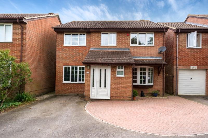 5 Bedrooms Detached House for sale in Kysbie Close, Abingdon