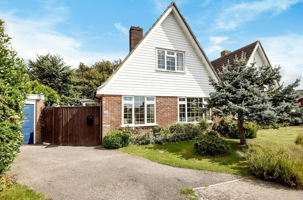 3 Bedrooms Detached House for sale in Elmstead Park Road, West Wittering, PO20