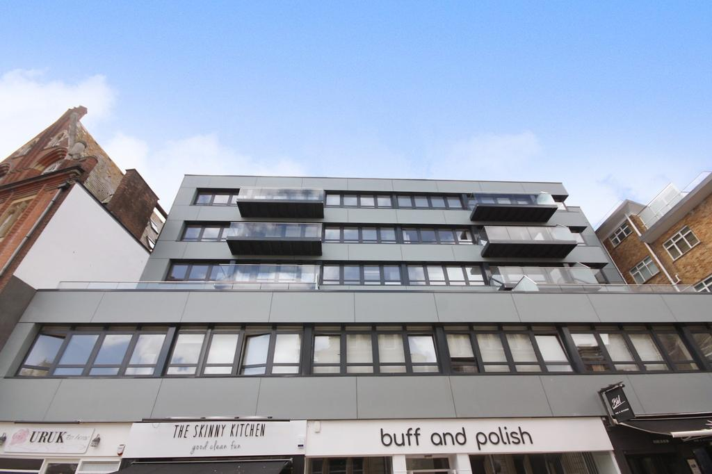 2 Bedrooms Flat for rent in Bournemouth Town Centre