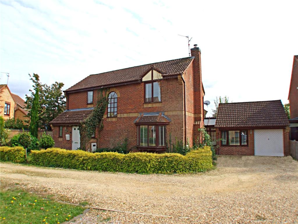4 Bedrooms Detached House for sale in Maxey Close, Market Deeping, Peterborough, PE6