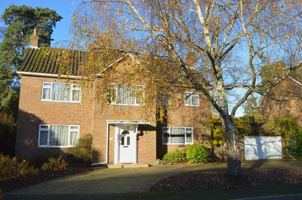 4 Bedrooms Detached House for sale in Firlands, Weybridge KT13