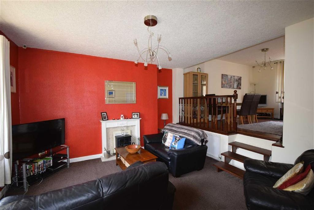 4 Bedrooms Cottage House for sale in East Bank, Barrowford, Lancashire