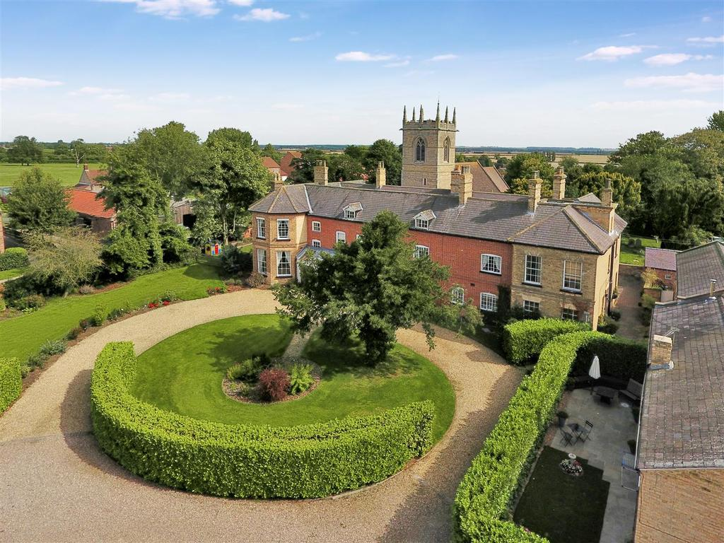 7 Bedrooms Detached House for sale in High Street, Willingham By Stow