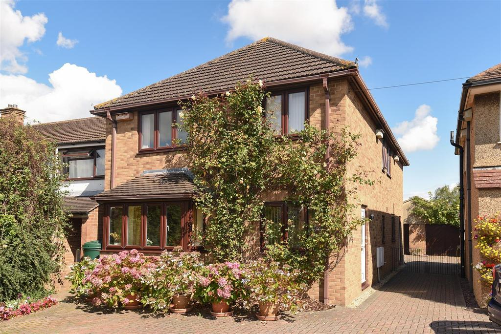 4 Bedrooms Detached House for sale in Cherwell Drive, Marston, Oxford