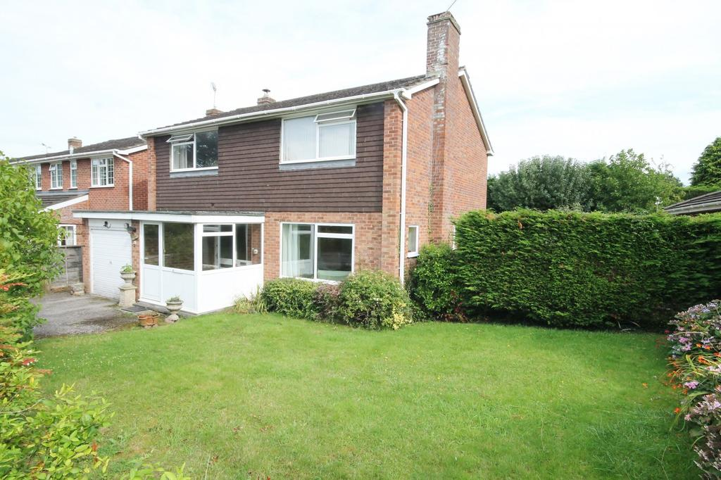 4 Bedrooms Detached House for sale in Northfield Road