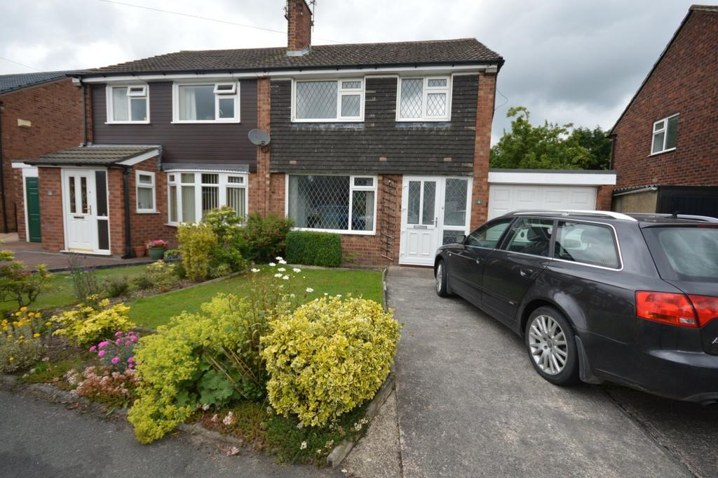 3 Bedrooms Semi Detached House for sale in Harlech Drive, Hazel Grove