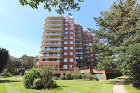 4 Bedrooms Penthouse Flat for rent in Manor Road BH1