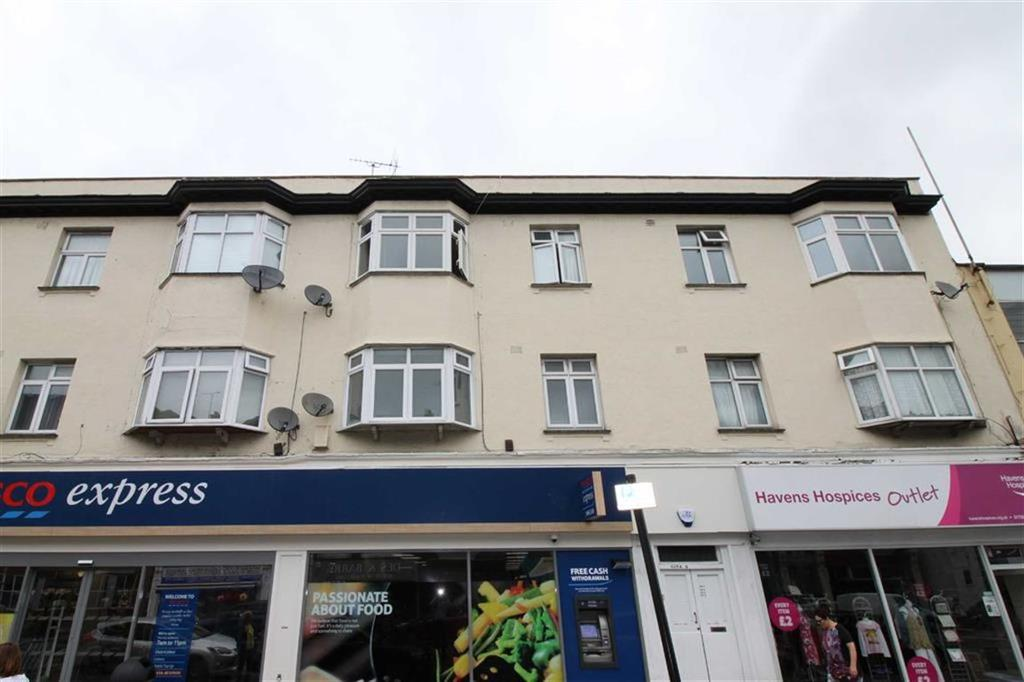 3 Bedrooms Flat for sale in London Road, Westcliff On Sea, Essex