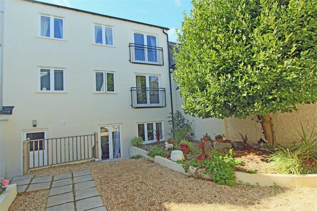 2 Bedrooms Flat for sale in 3 St Mark House, Havilland Street, St Peter Port