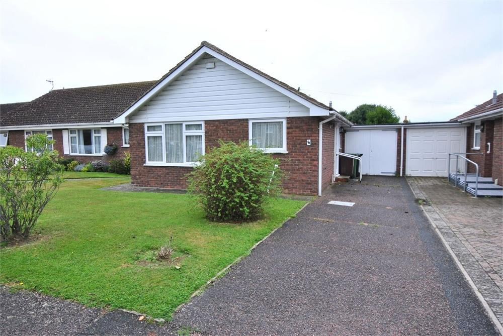 2 Bedrooms Detached Bungalow for sale in Glebe Close, BEXHILL-ON-SEA, East Sussex