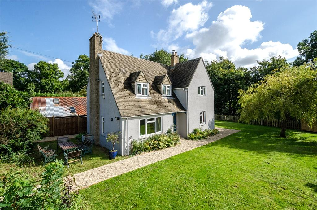 3 Bedrooms Detached House for sale in Stinchcombe Hill, Dursley, Gloucestershire, GL11