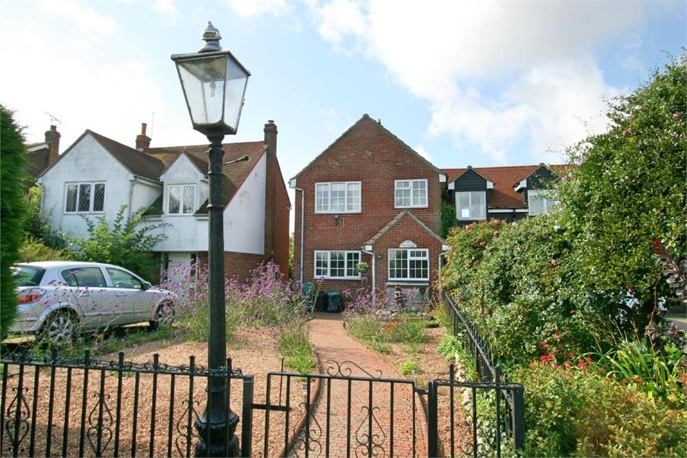 2 Bedrooms End Of Terrace House for sale in Redwings, The Street, Salcott, MALDON, Essex